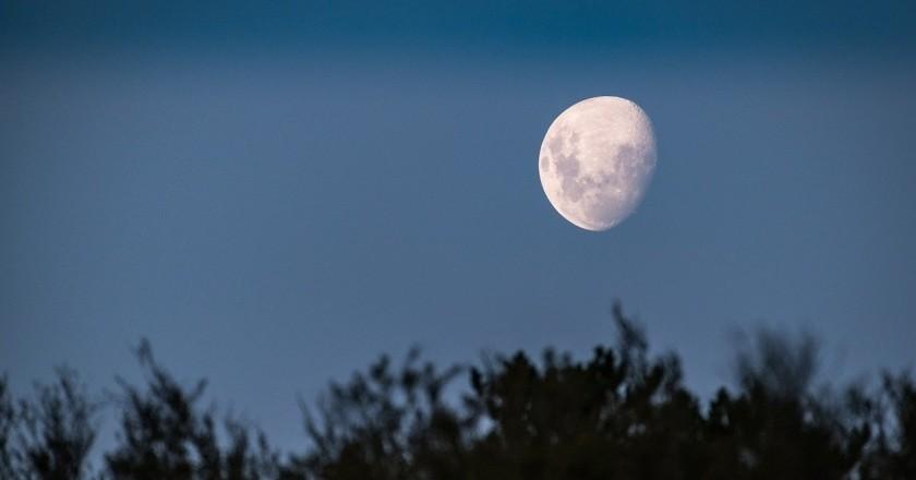 Visites guiades sota la llum de la Lluna a Hostalric