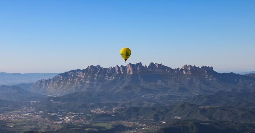 Vol en globus al Bages amb vistes a Montserrat