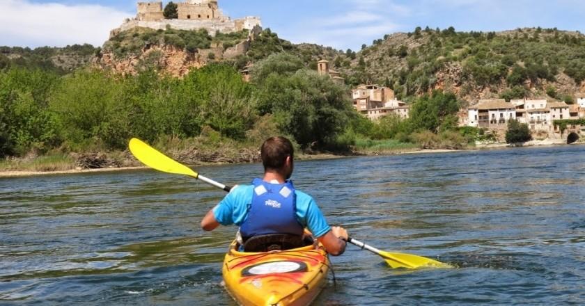 Descens en caiac pel riu Ebre