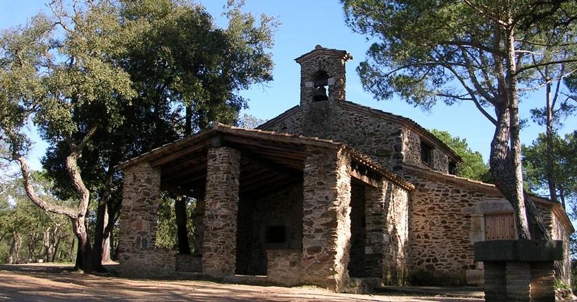 Ruta a l'ermita de Sant Cristòfol del Bosc a Llambilles