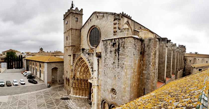 Ruta monumental por el centro histórico de Castelló d'Empúries