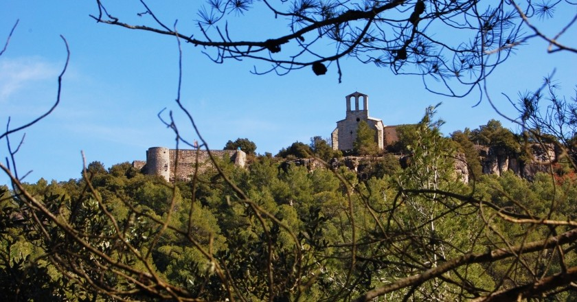Ruta pel Castell de Vilademàger i la Font del Pla Novell a La Llacuna