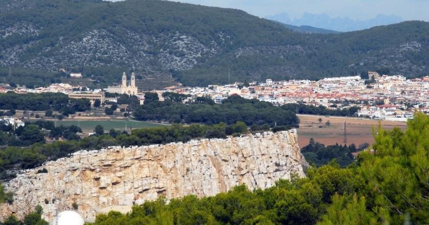 Ruta per Vilanova, Castell de Miralpeix i Sant Pere de Ribes