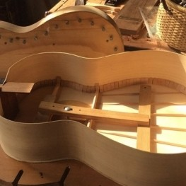 Exposición Luthier Artesano de la guitarra en Sant Jaume d'Enveja