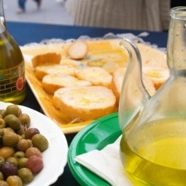 Feria del aceite de las Tierras del Ebro y de la Algarroba en…