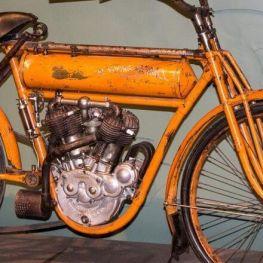 Réunion des motos classiques à Vilaseca