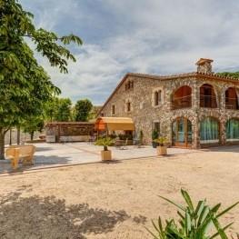 La Granja Village