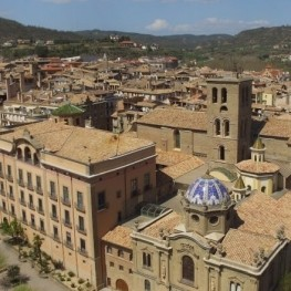 Discover the monumental historic core of Solsona