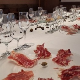 Tasting of hams paired with wines, July 24 12h00