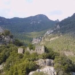 Road to the Roset Castle in Vilada
