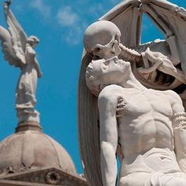 Les ciutats dels morts, els cementiris més singulars de Catalunya