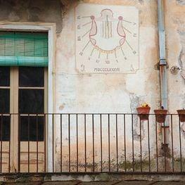 Rellotges de sol de Porrera, entre vins del Priorat