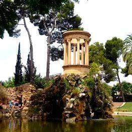 Un passeig pels jardins que envolten Barcelona